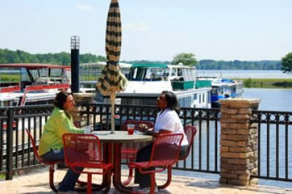 Lakepoint Marina Grill pic 1