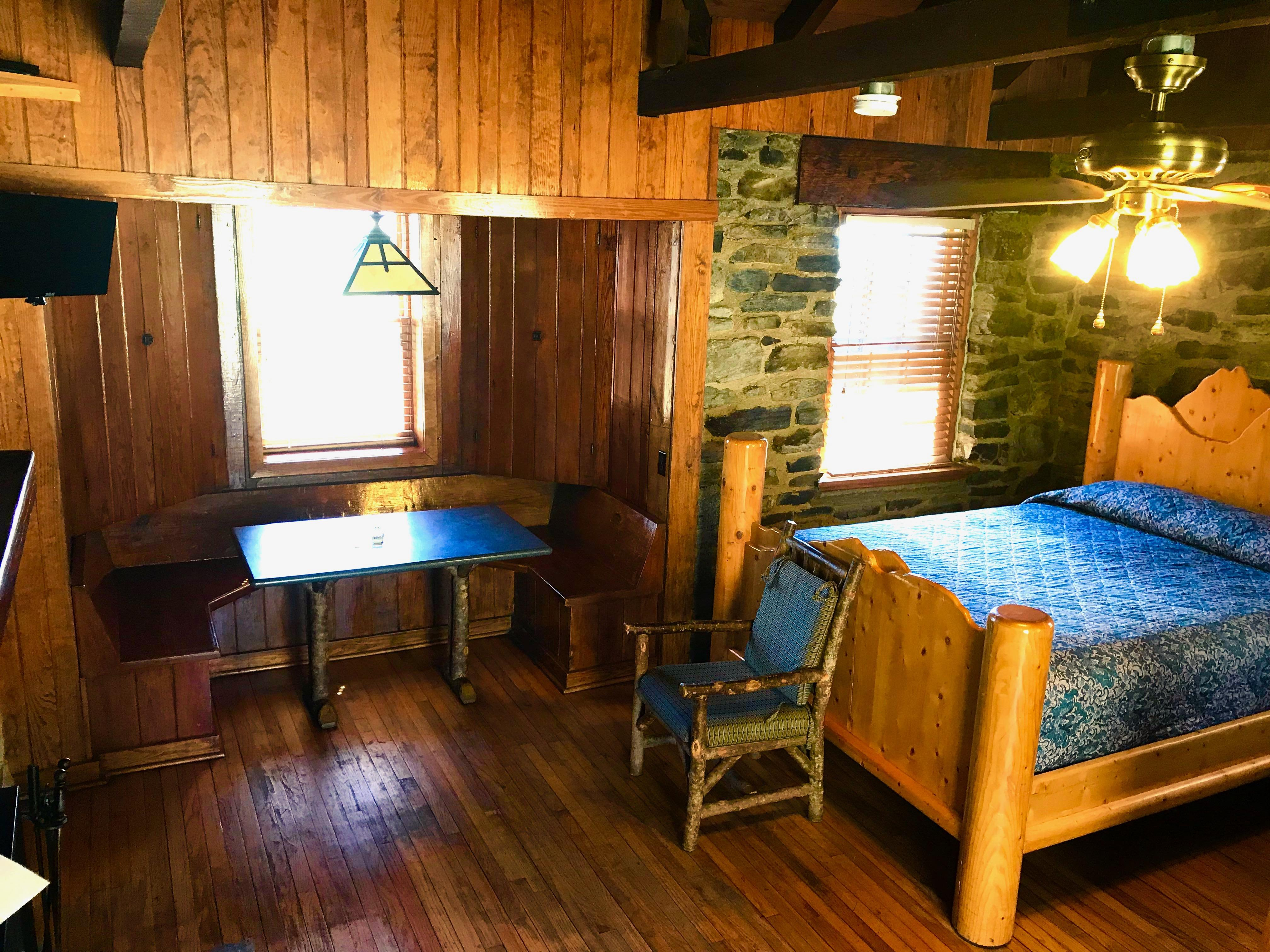 Cheaha 4 Person Cabin